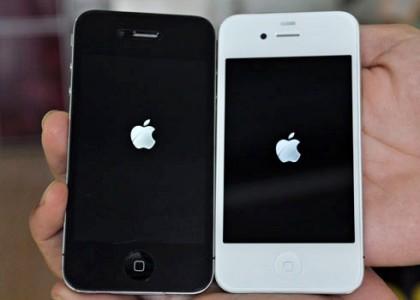 iPhone-4-Stuck-Apple-Logo