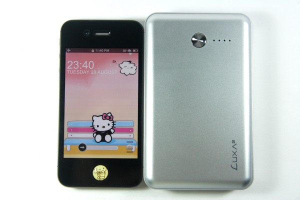 LUXA2 P1 vs iPhone 4S