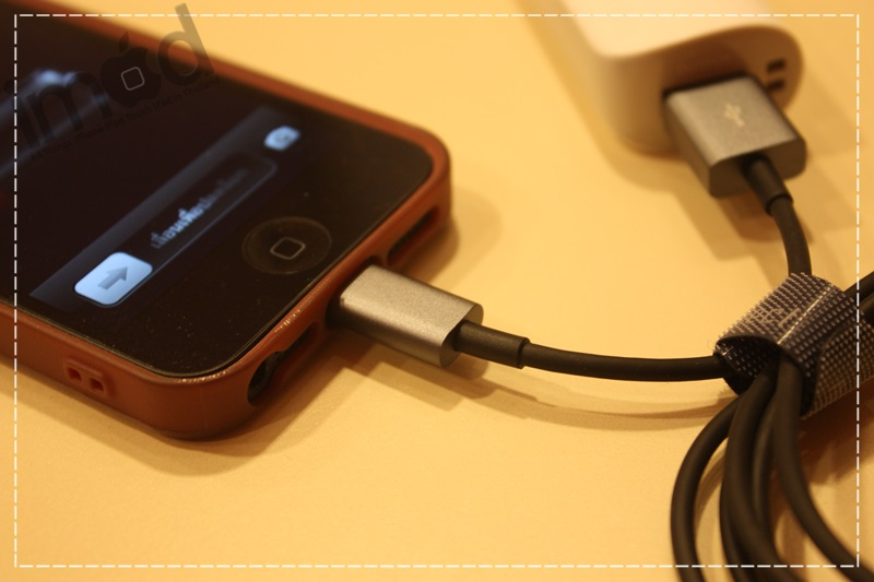 Review-Moshi-USB-Cable-with-Lightning-Connector (8)