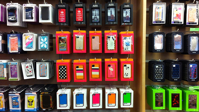 120918025206-iphone-cases-at-apple-store-story-top