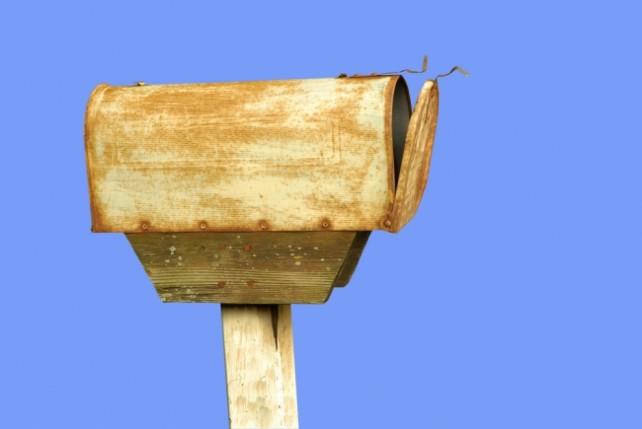 RustedMailbox650