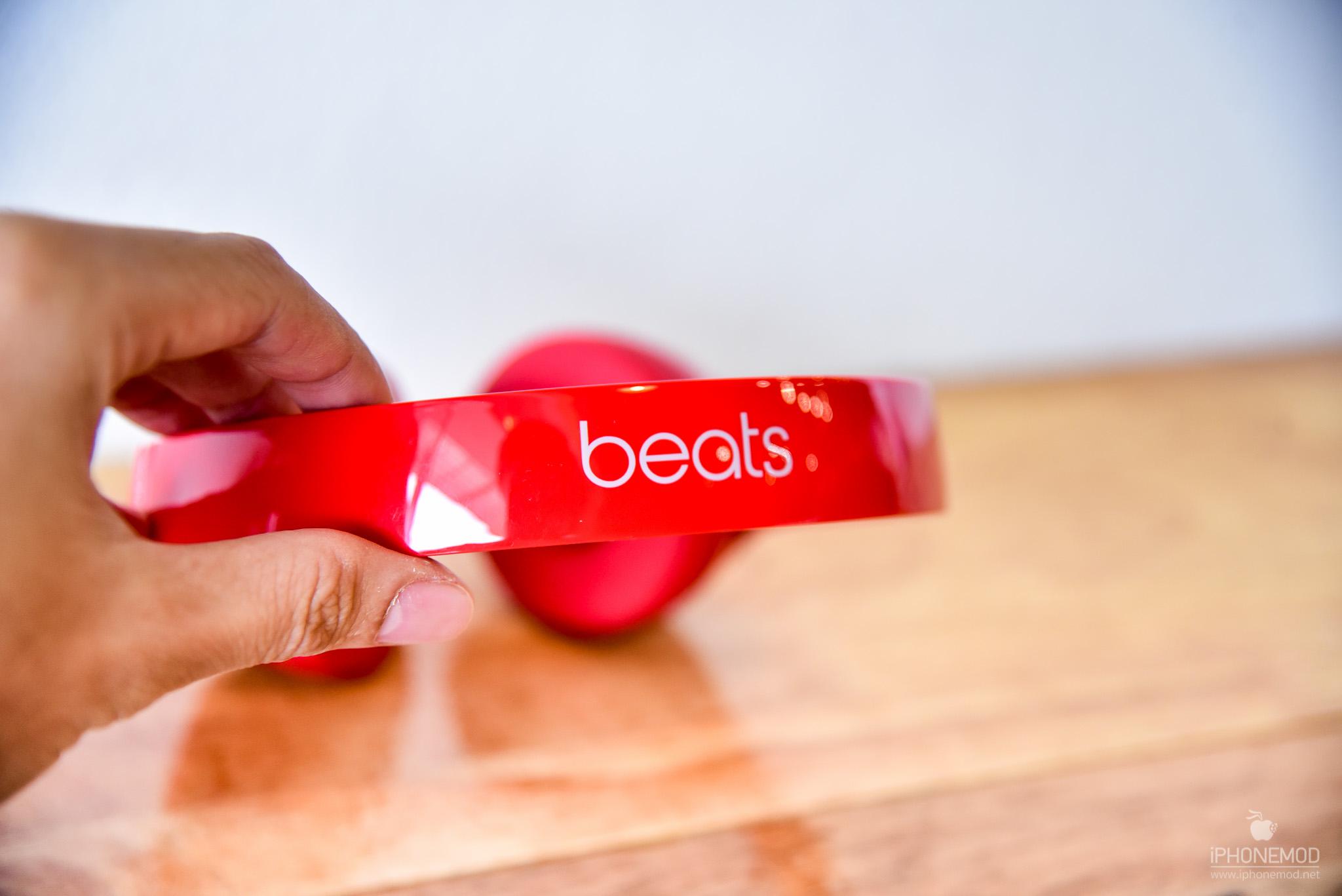 Beats-Solo-Wireless-1