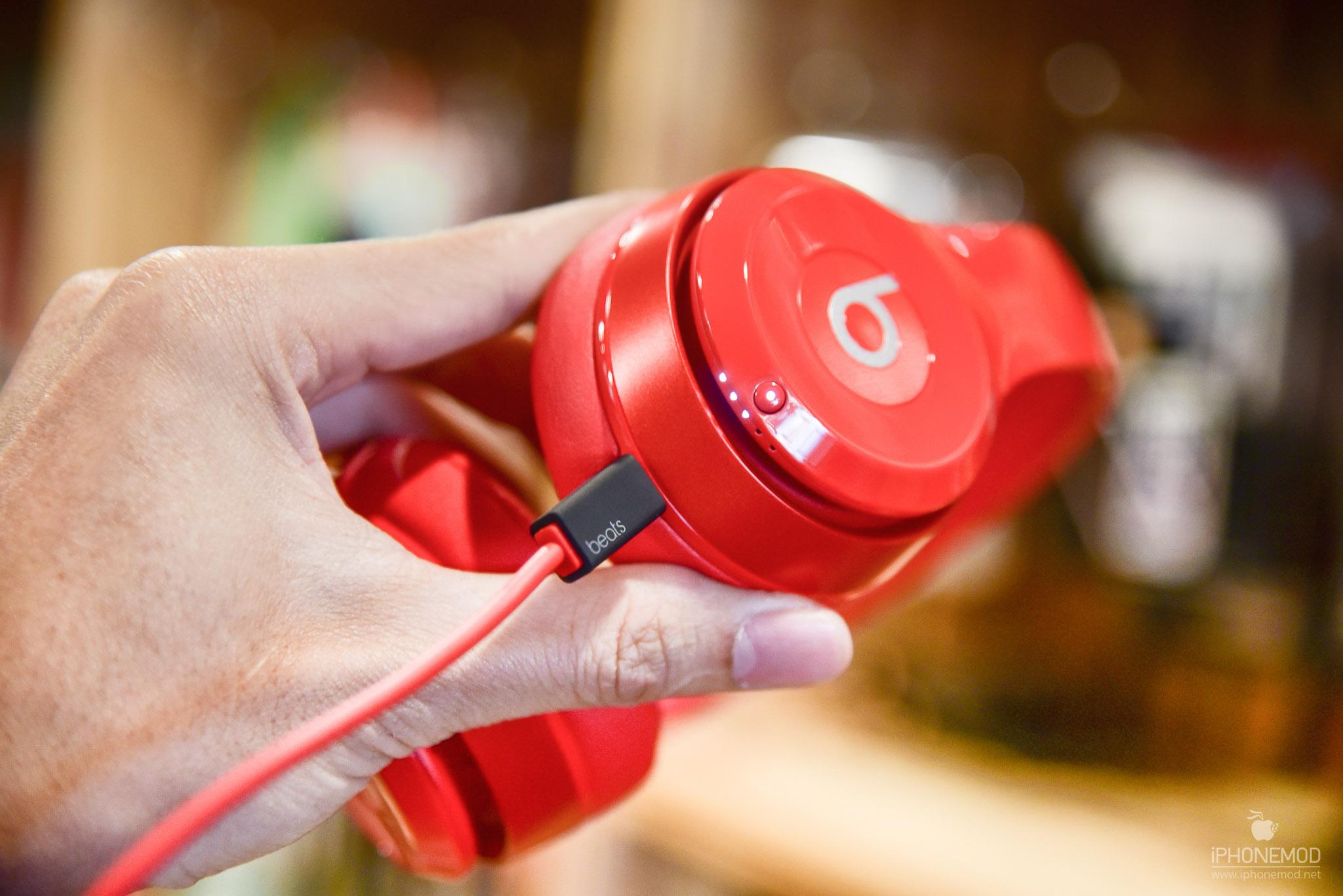 Beats-Solo-Wireless-11