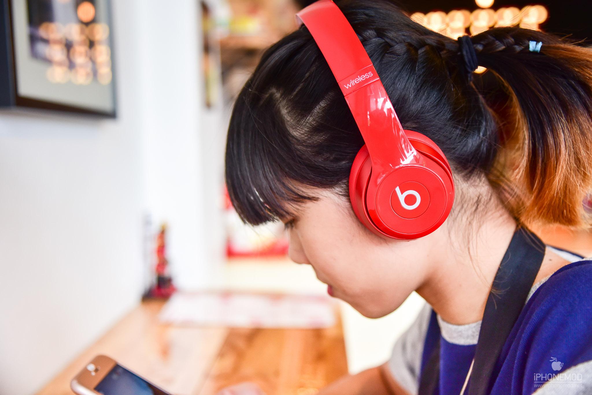 Beats-Solo-Wireless-14