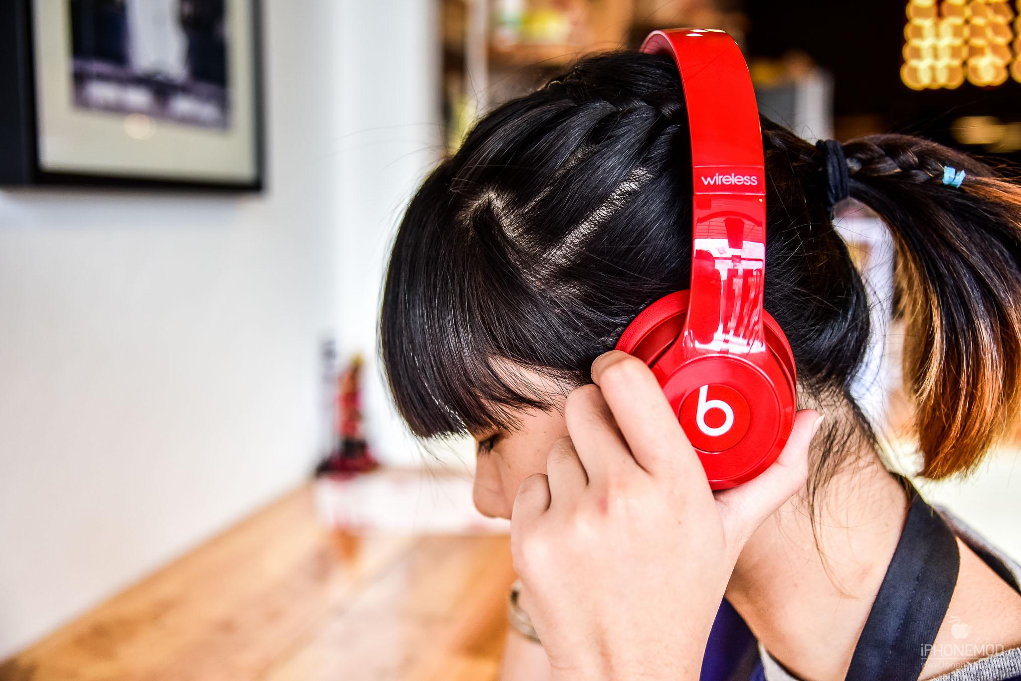 Beats-Solo-Wireless-15
