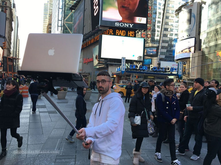 Macbook Selfie Stick (4)