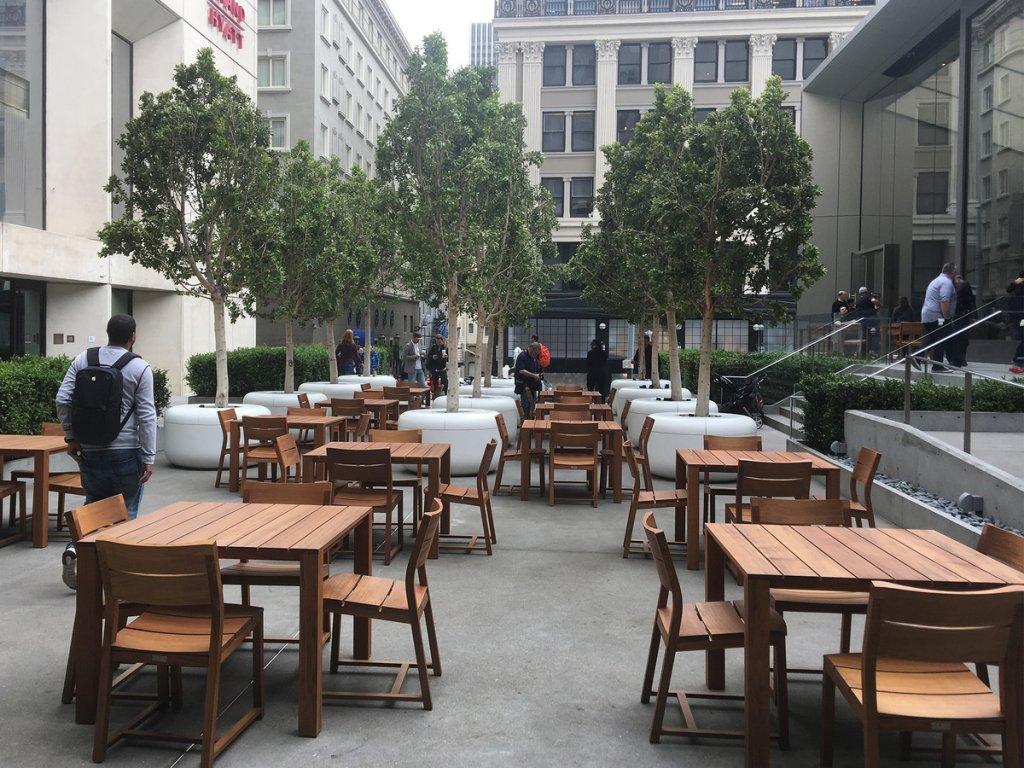 Apple Union Square -The Plaza -imore.com