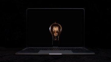 MacBook Pro–Bulbs