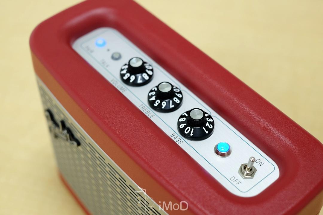 Fender Newport (5)