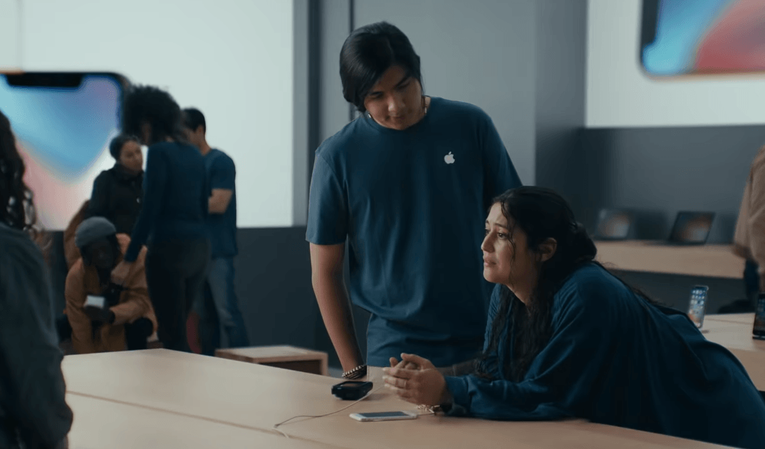 Samsung Ad Mocks Iphone Slowdown 2
