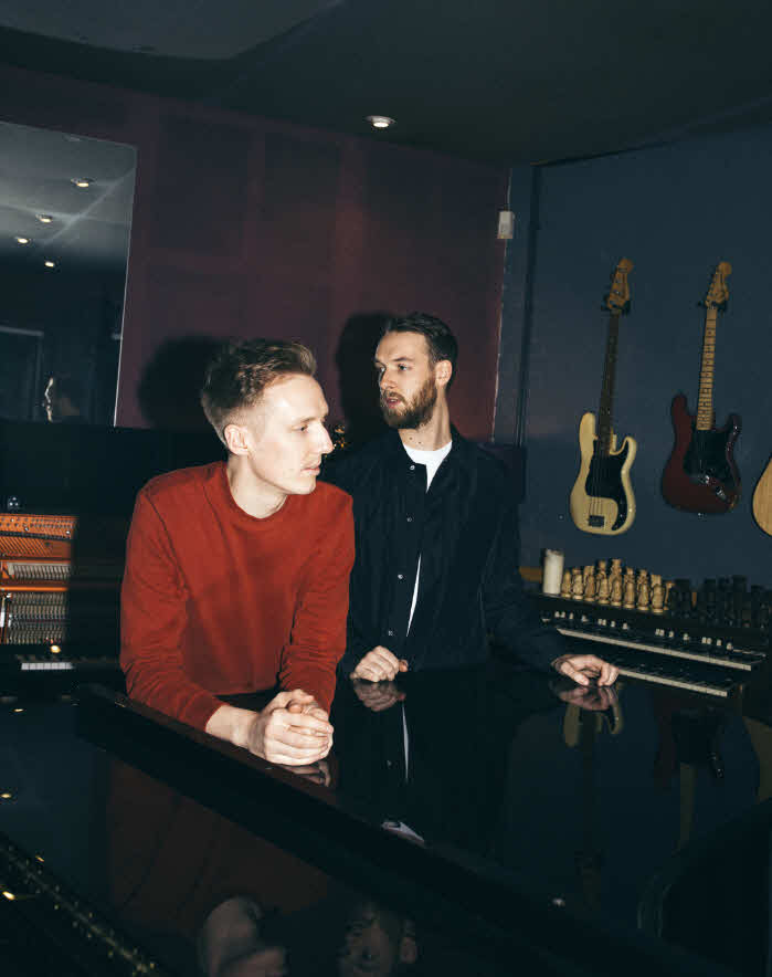 Honne Day 1 Sometimes Lead Shot Charlie Cummings