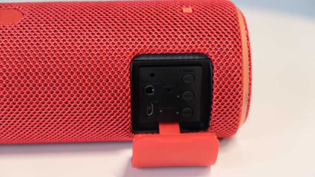 Sony Srs Xb21 Sony Srs Xb31 Blutooth Speaker Review Advertorial 011