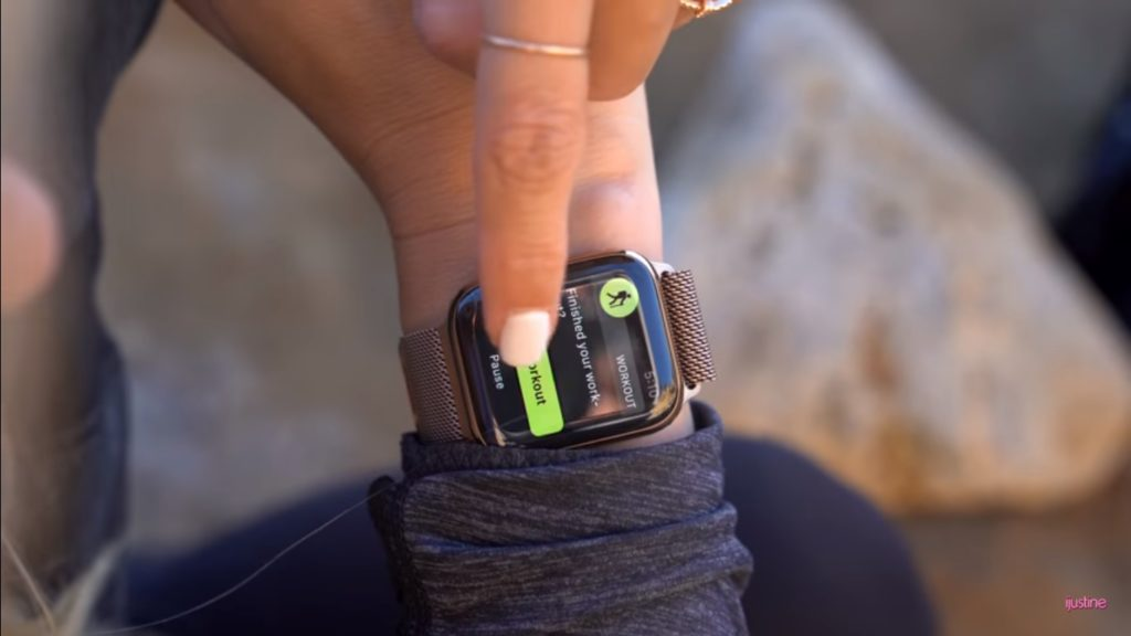 Apple Watch Series 4 Unboxing Youtuber 15