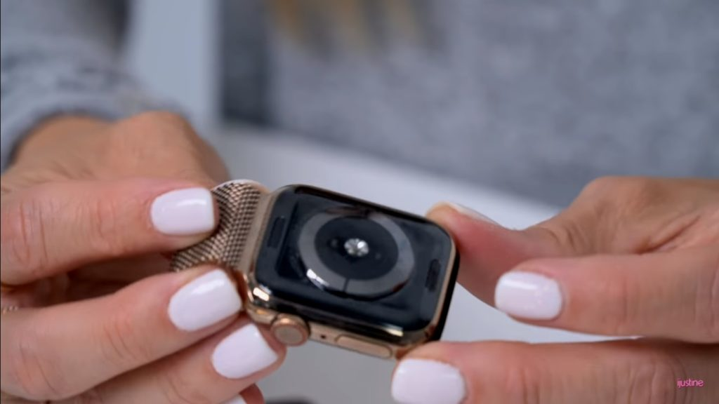 Apple Watch Series 4 Unboxing Youtuber 6