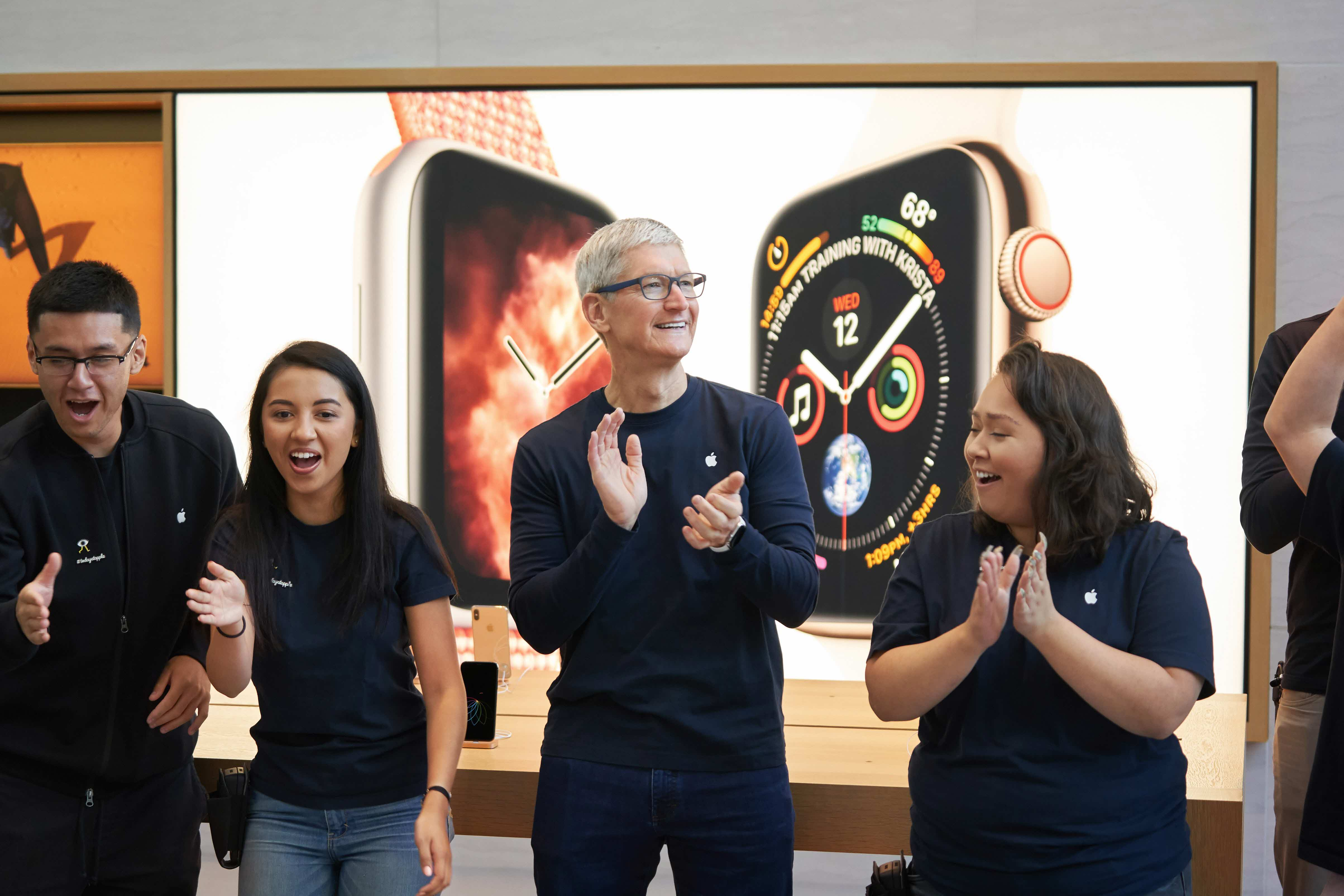 Iphone Xs Apple Watch Series 4 Palo Alto Tim Cook Apple Store 09202018