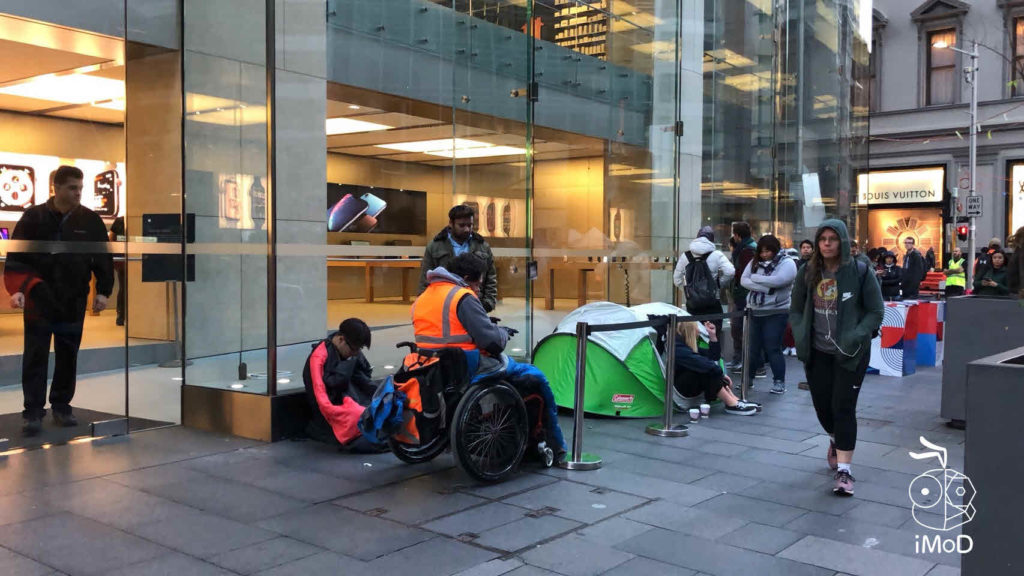 Iphone Xs Iphone Xs Max Apple Watch Series 4 First Launch Day 002