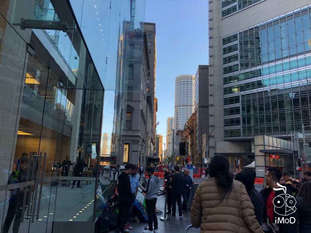 Iphone Xs Iphone Xs Max Apple Watch Series 4 First Launch Day 006