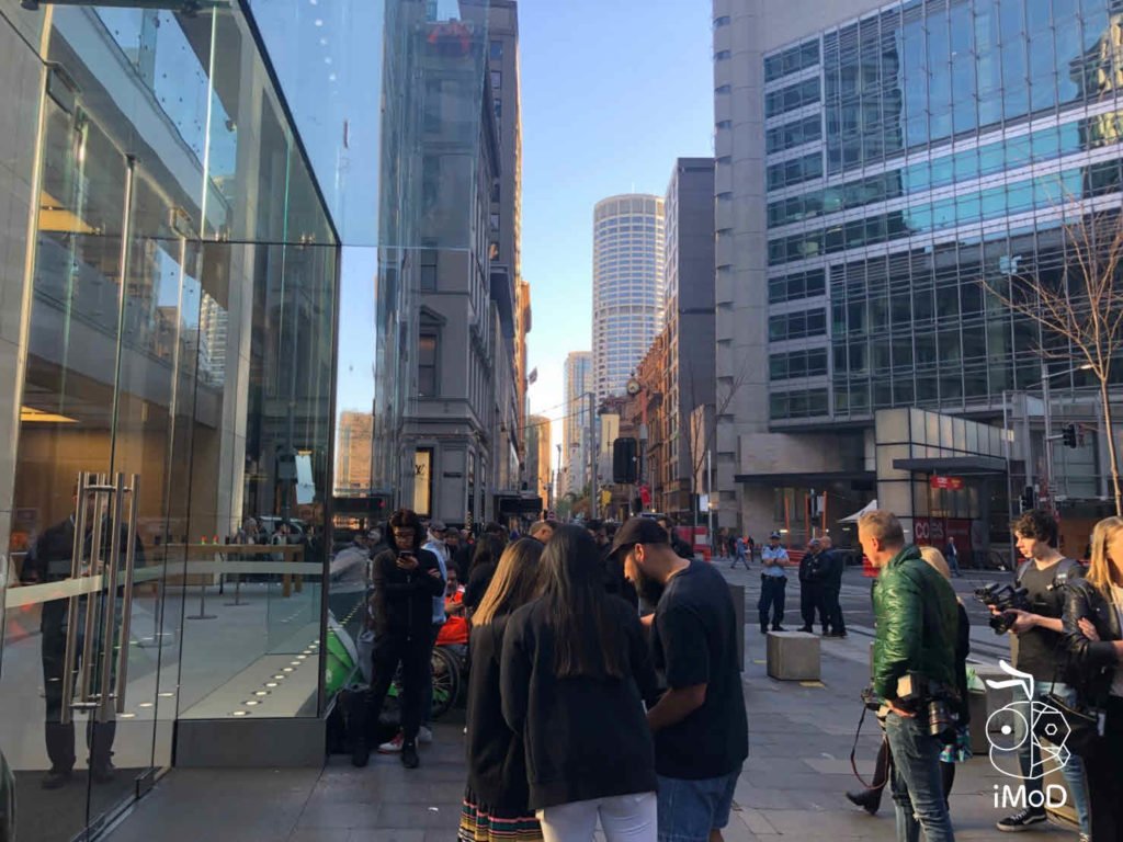 Iphone Xs Iphone Xs Max Apple Watch Series 4 First Launch Day 007