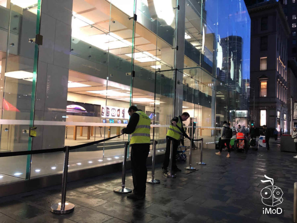 Iphone Xs Iphone Xs Max Apple Watch Series 4 First Launch Day 013