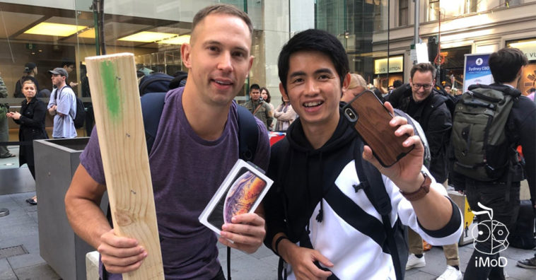 Iphone Xs Iphone Xs Max Apple Watch Series 4 First Launch Day