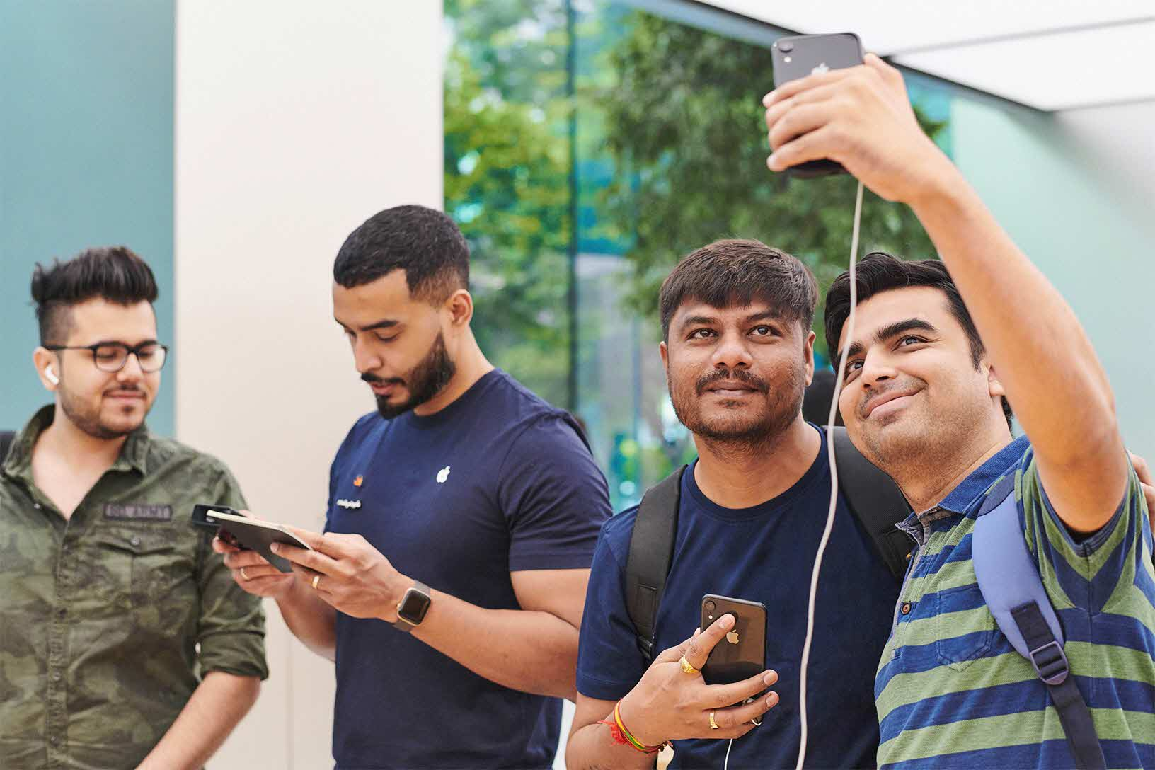 Iphonexr Launch Orchardrd Singapore Instore Selfie 10262018