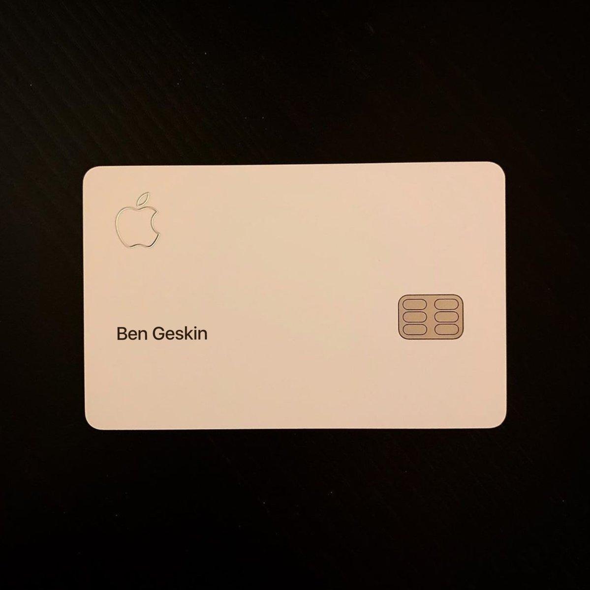 Apple Card Physical Card Photo Img 2