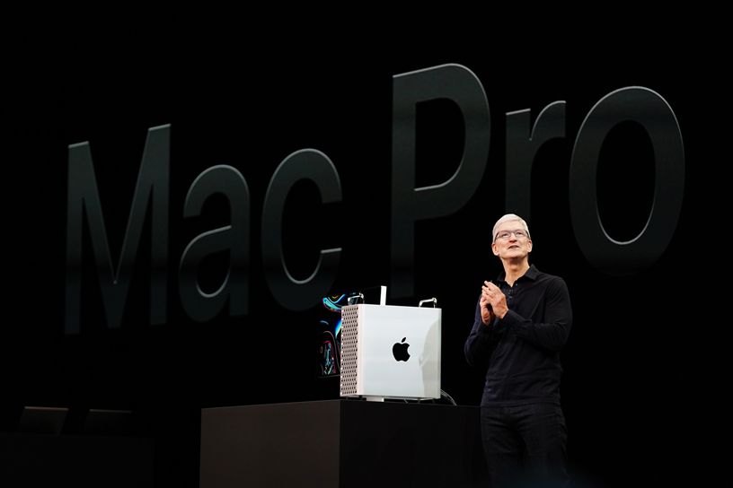 Apple Highlights From Wwdc19 Tim Cook With New Mac Pro And Pro Display 06032019 Big.jpg.large