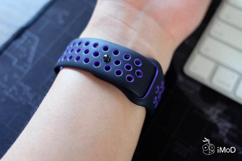 Apple Watch Nike Sport Band Black Hyper Grape Color 13