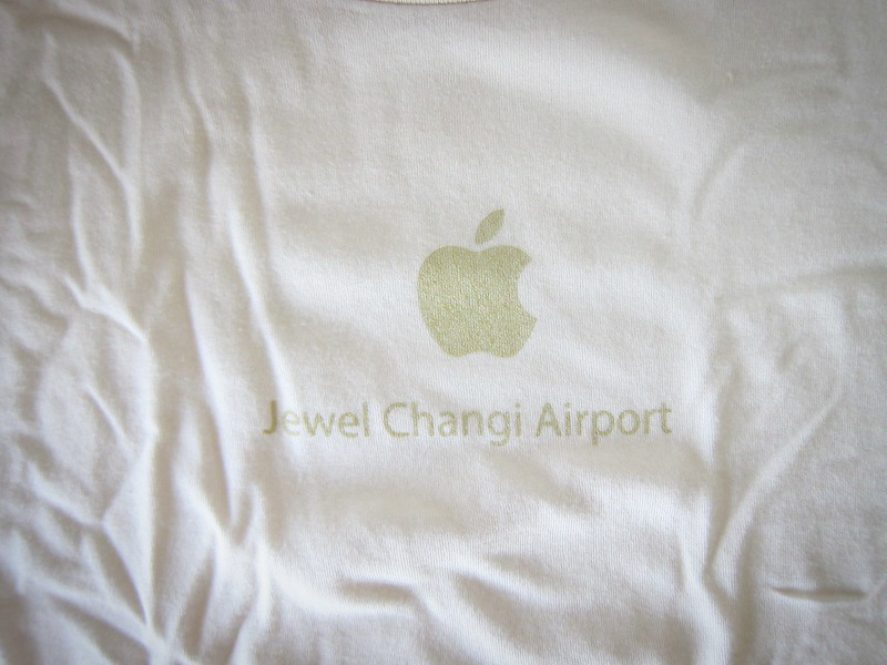 Apple Jewel Changi Airport Tshirt 1