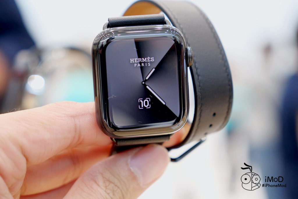 Hemes Space Black And Titanium Apple Watch Series 5 First Time 1