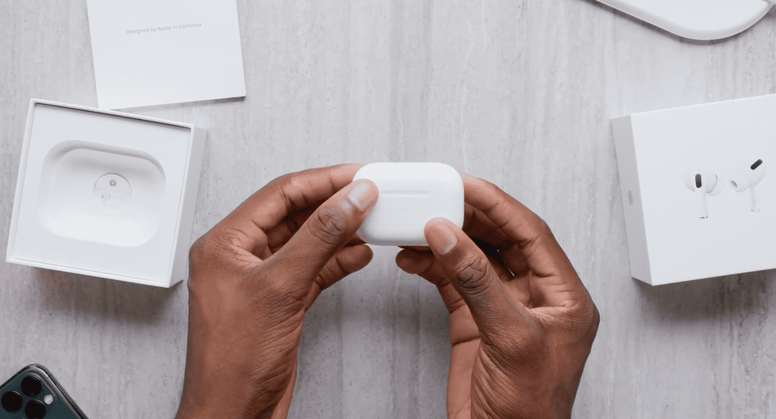 Airpods Pro Unboxing Youtuber Highlight Img 2