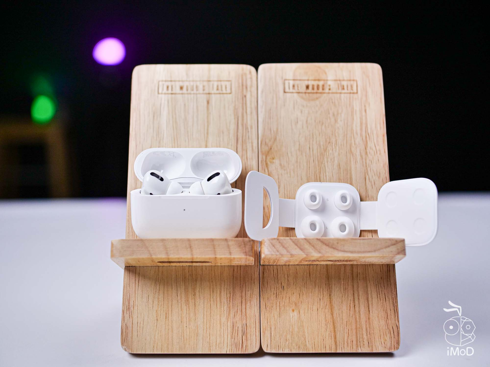 Airpods Pro In The Box And Ear Tips 1014534